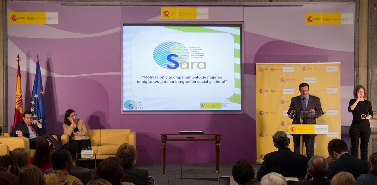 El programa SARA, Cruz Roja, CEPAIM y el Instituto de la Mujer renuevan 2013